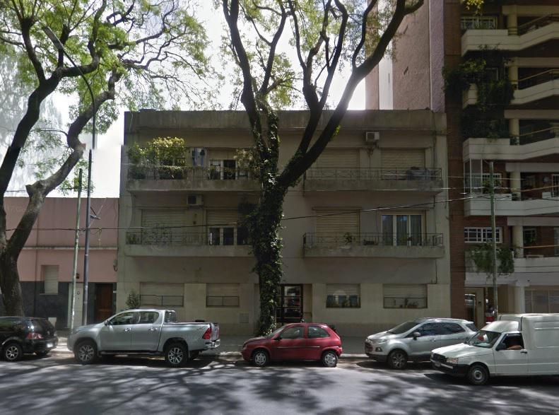 Departamento de 3 ambientes, 1º piso por escalera