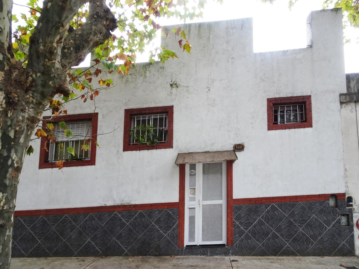 Casa villa urquiza capital federal argenprop for Casa de azulejos en capital federal