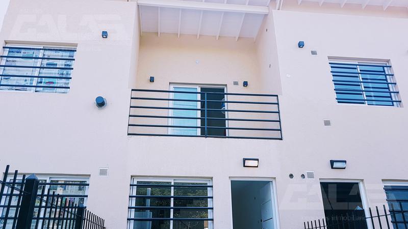 NUEVO A ESTRENAR Duplex 2 dormitorios baño toilette y fondo libre