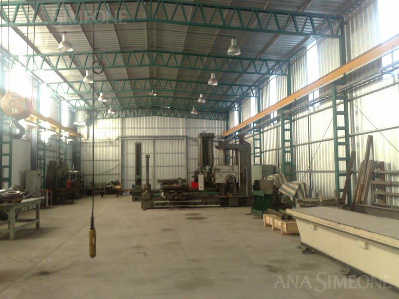 Moderna Planta Industrial de 740 m2 sobre terreno de 5.500 m2 (55mx 100 m)