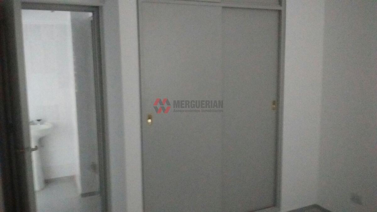 Foto Edificio en Alberdi Dean Funes 900 numero 39