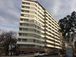 Foto Edificio en Parque Batlle Avenida Italia esq. Garibaldi numero 6