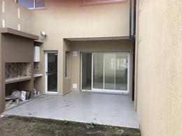 Foto Condominio en Adrogue RAMIREZ ESQUINA COMODORO PY numero 9