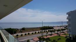 Foto Edificio en Playa Mansa Apartamentos a Estrenar frente a la Mansa numero 3