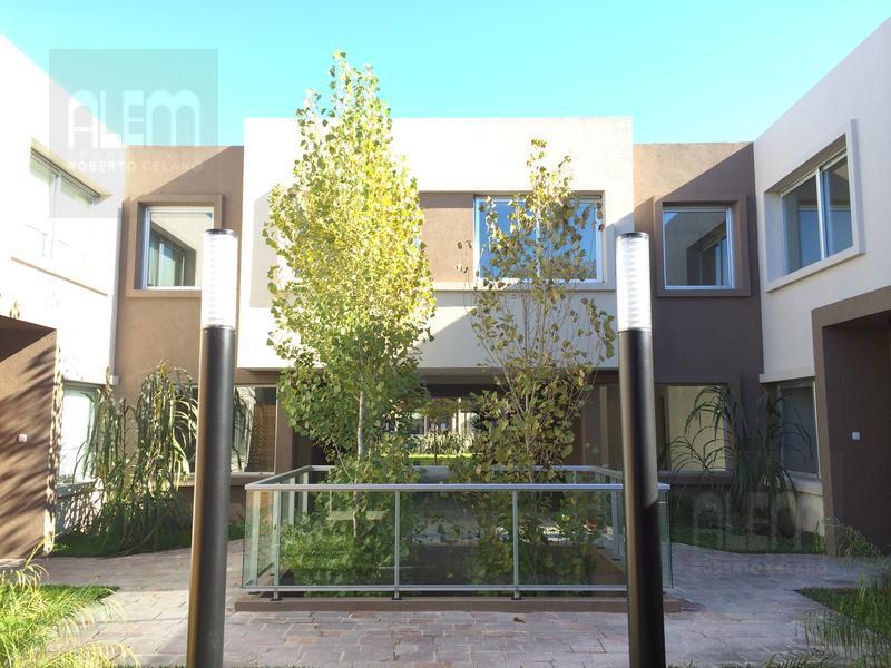 Foto Condominio en Lomas de Zamora Oeste Casas de Alvear - Alvear 430 numero 4
