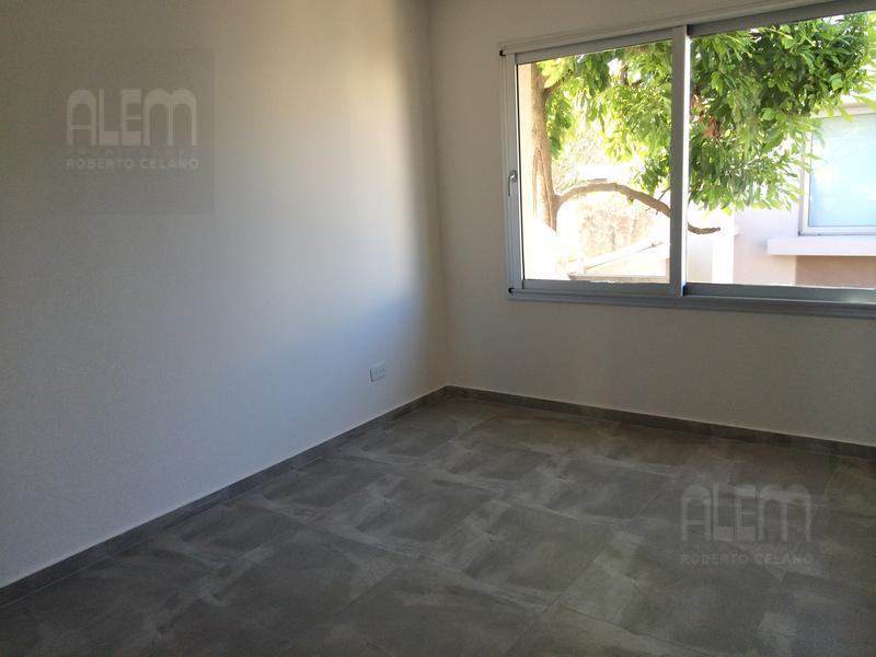 Foto Condominio en Lomas de Zamora Oeste Casas de Alvear - Alvear 430 numero 8