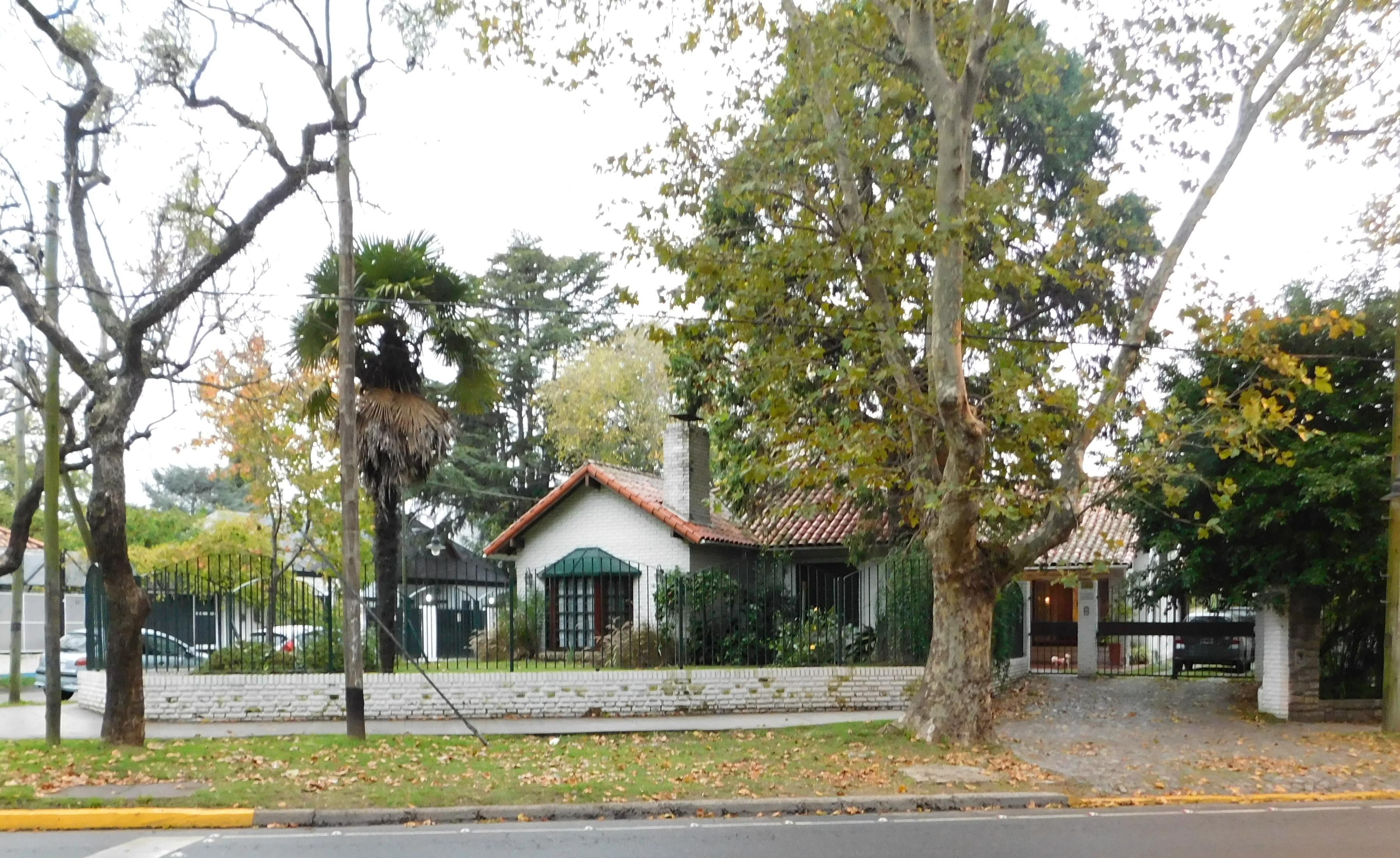 Foto Casa en Venta |  en  Victoria,  San Fernando  Av Libertador 2.700 esq. Guido Spano