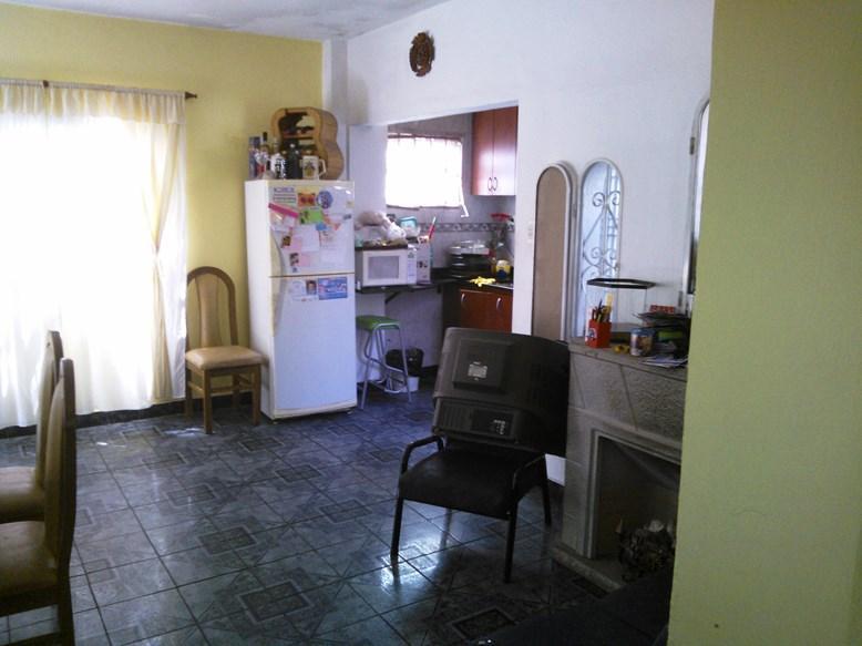 Foto Departamento en Venta |  en  Villa Luzuriaga,  La Matanza  Triunvirato al 4500