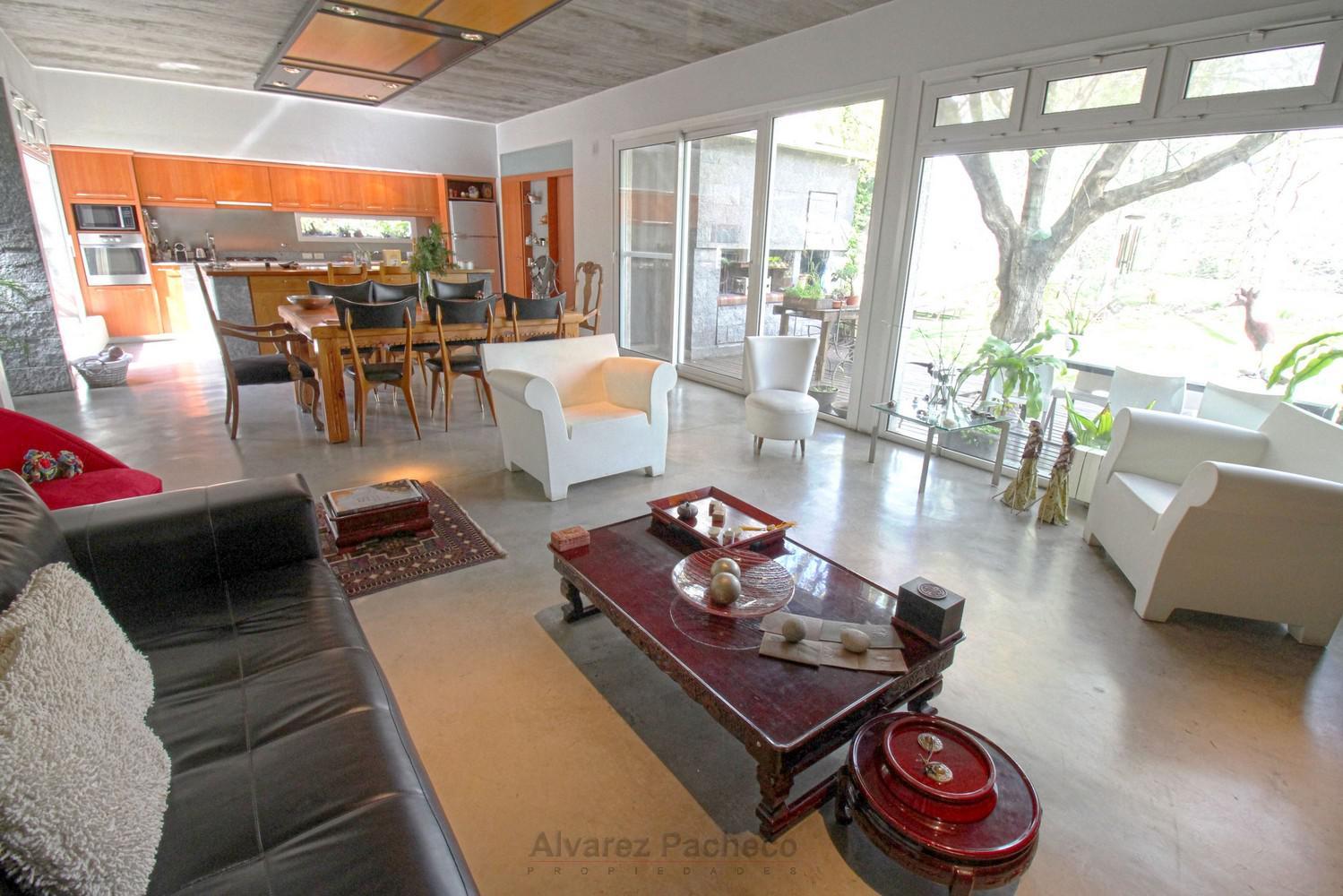 Foto Casa en Venta |  en  Canning,  Esteban Echeverria  LUIS CRESMANI al 3300