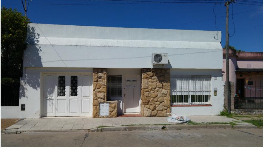 Foto Casa en Venta |  en  Lujan ,  G.B.A. Zona Oeste  Cervantes 135 Luján ( B)