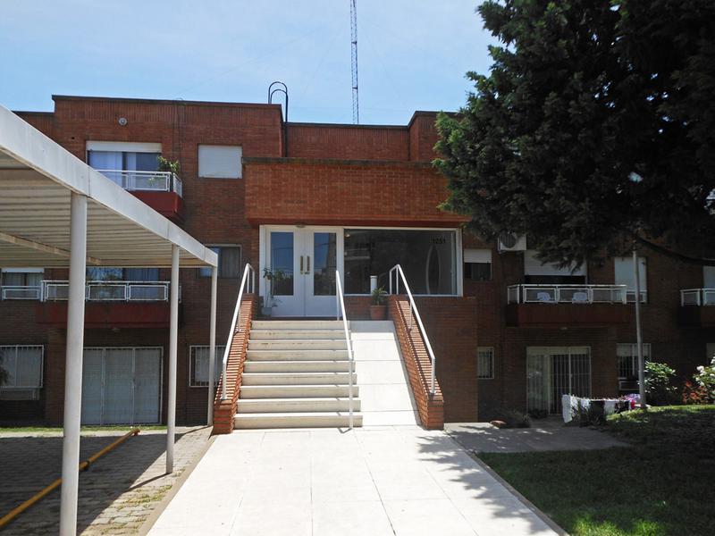Foto Departamento en Alquiler en  Centro (Campana),  Campana  25 de mayo al 1200