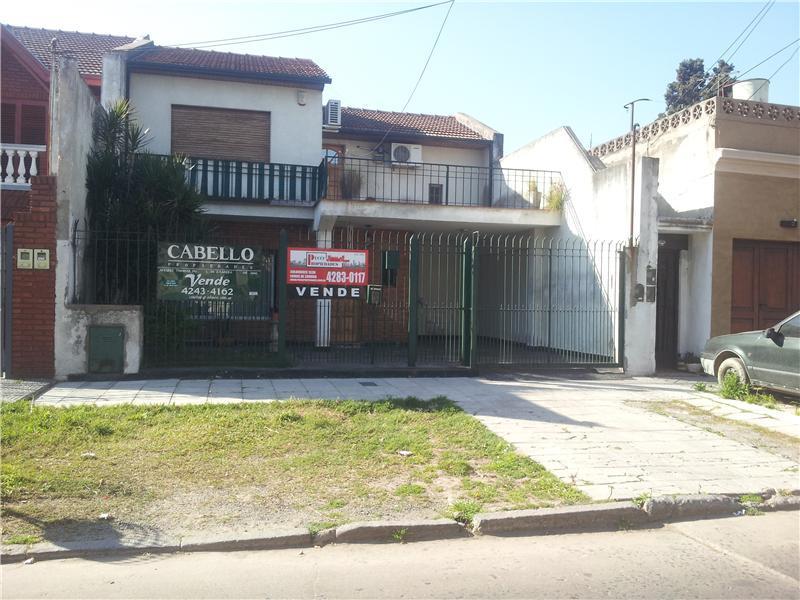 Foto Casa en Venta en  Lomas de Zamora Oeste,  Lomas De Zamora  ALVAREZ, THOMAS I. 200