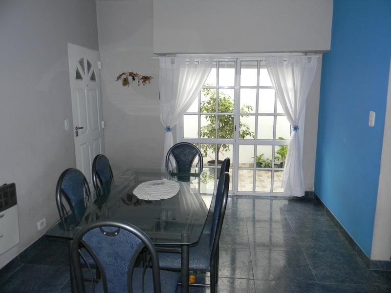 Foto PH en Venta en  Lanús ,  G.B.A. Zona Sur  Emilio Castro 1200