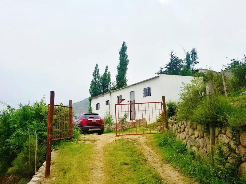 Foto Casa en Alquiler temporario en  Tafi Del Valle ,  Tucumán  Centro de Villa Veraniega - Av. Perón (200 metros frente al río) 6 personas