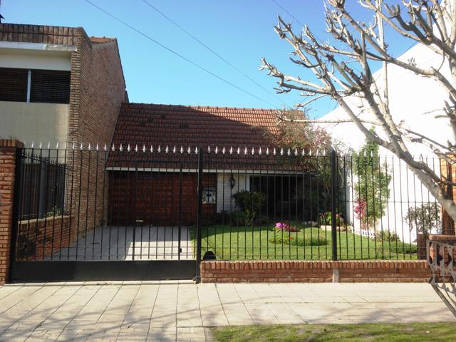 Foto Casa en Venta |  en  Temperley Este,  Temperley  Ingeniero Mitre Nº al 400