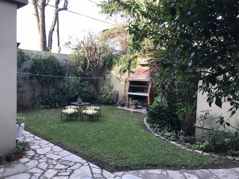 Foto Casa en Venta en  Lomas de Zamora Este,  Lomas De Zamora  ALBERTI 205 **Apta Credito**