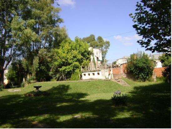 Foto Casa en Alquiler en  Hurlingham,  Hurlingham  BATLLE ORDOÑEZ, JOSE P. entre LAS TUNAS y SAN JUAN