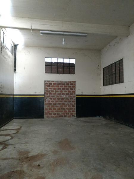 Foto Depósito en Venta en  Centro (Campana),  Campana  Balcarce al 1000