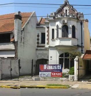 Foto Casa en Venta en  Banfield Oeste,  Banfield  Av. H. Yrigoyen Nº 7852