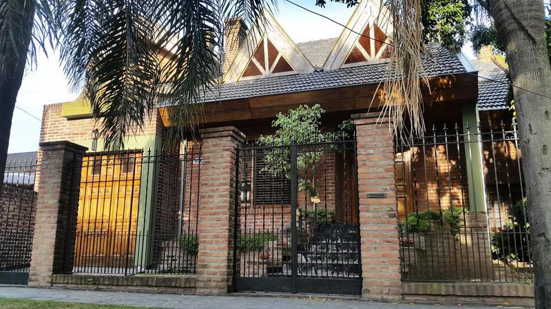 Foto Casa en Venta en  Ituzaingó ,  G.B.A. Zona Oeste  Soler al 1100