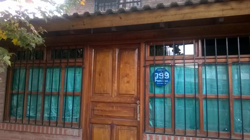 Foto Casa en Alquiler en  Barrio Parque Leloir,  Ituzaingo  FACUNDO al 2200