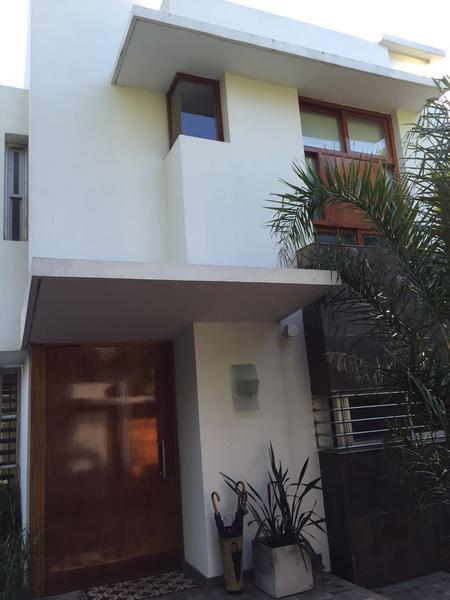 Foto Casa en Venta en  Adrogue,  Almirante Brown  QUINTANA entre SEGUI, F. y