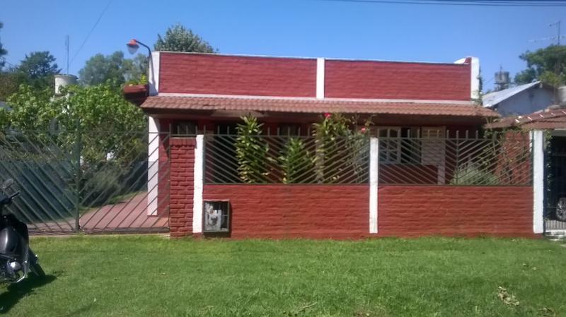 Foto Casa en Venta en  Barrio Parque Leloir,  Ituzaingo  Santos Vega al 2200