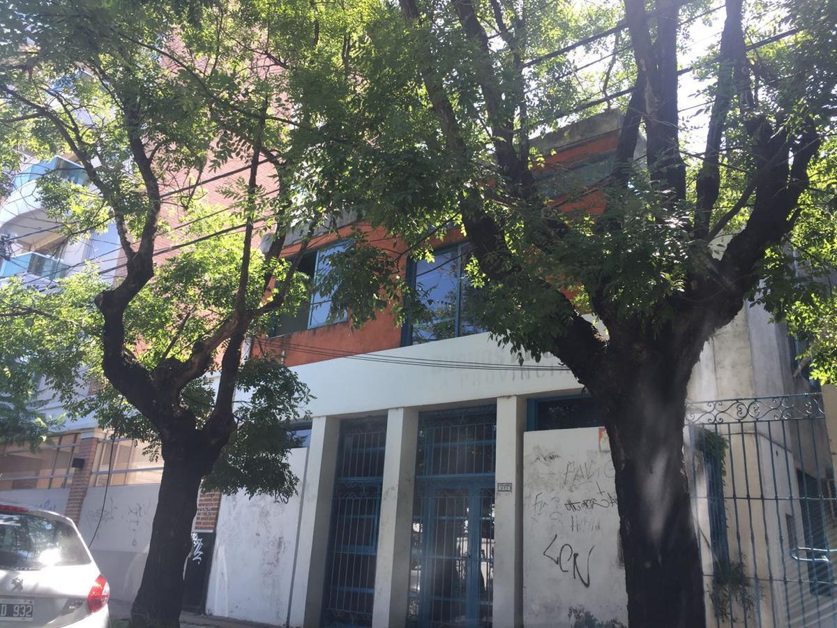 Foto Edificio Comercial en Venta |  en  Moreno ,  G.B.A. Zona Oeste  Ituzaingó al 800