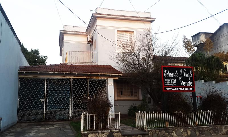 Foto Casa en Venta en  Castelar Sur,  Castelar  Villa de Lujan al 700