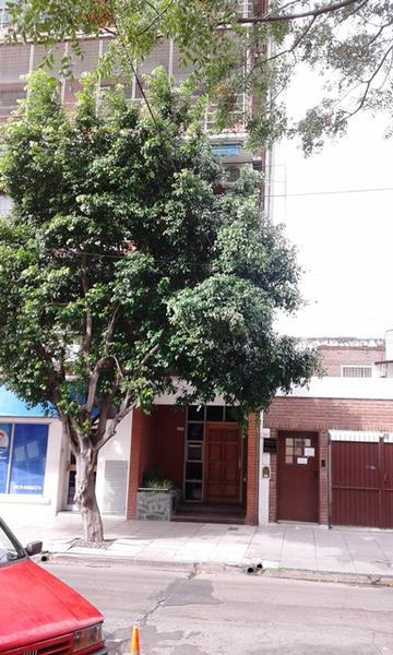 Foto Departamento en Venta en  Caseros,  Tres De Febrero  L. Medina al 2200