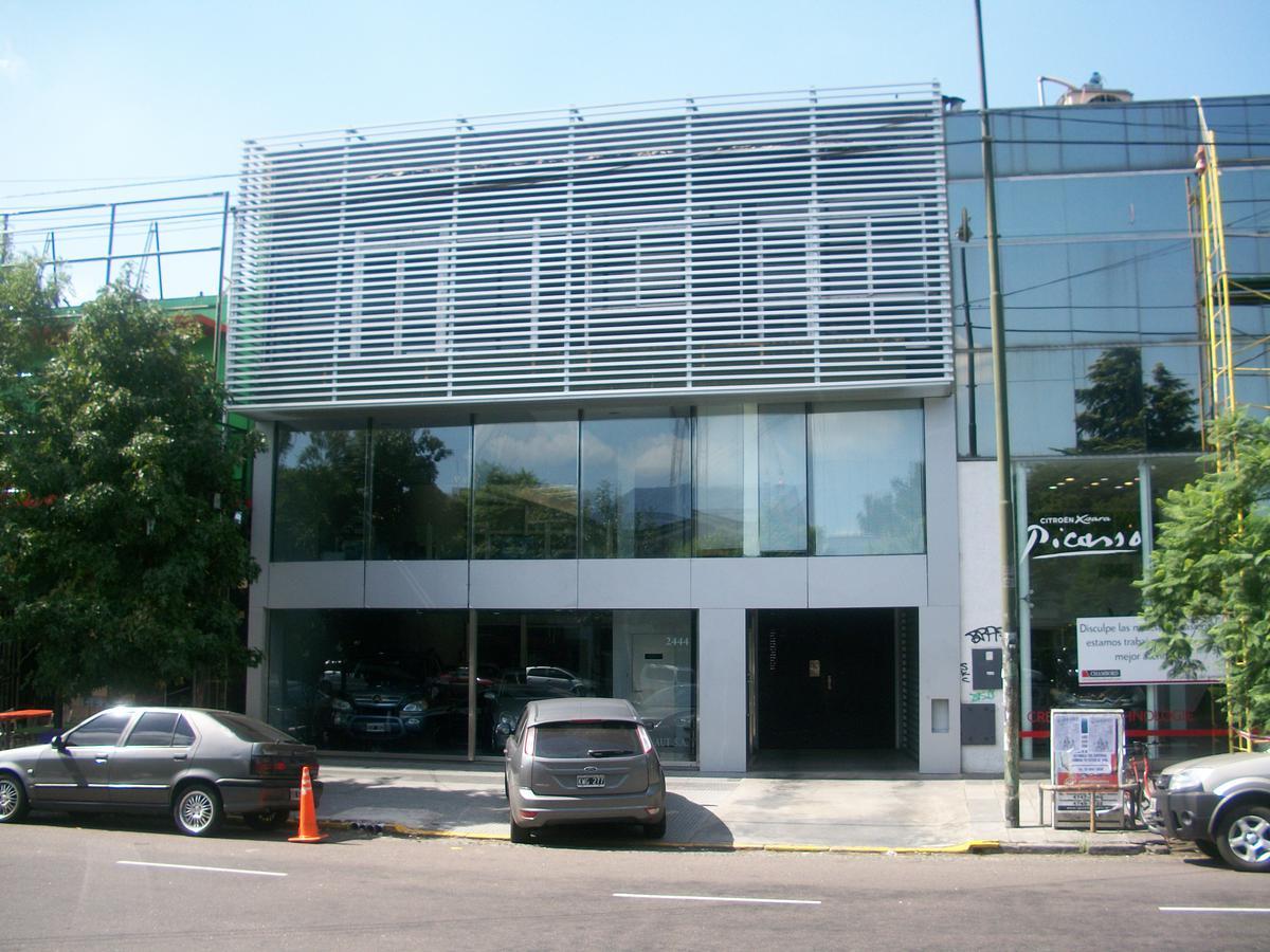 Foto Edificio Comercial en Alquiler en  Mart.-Vias/Santa Fe,  Martinez  Santa Fe al 2400