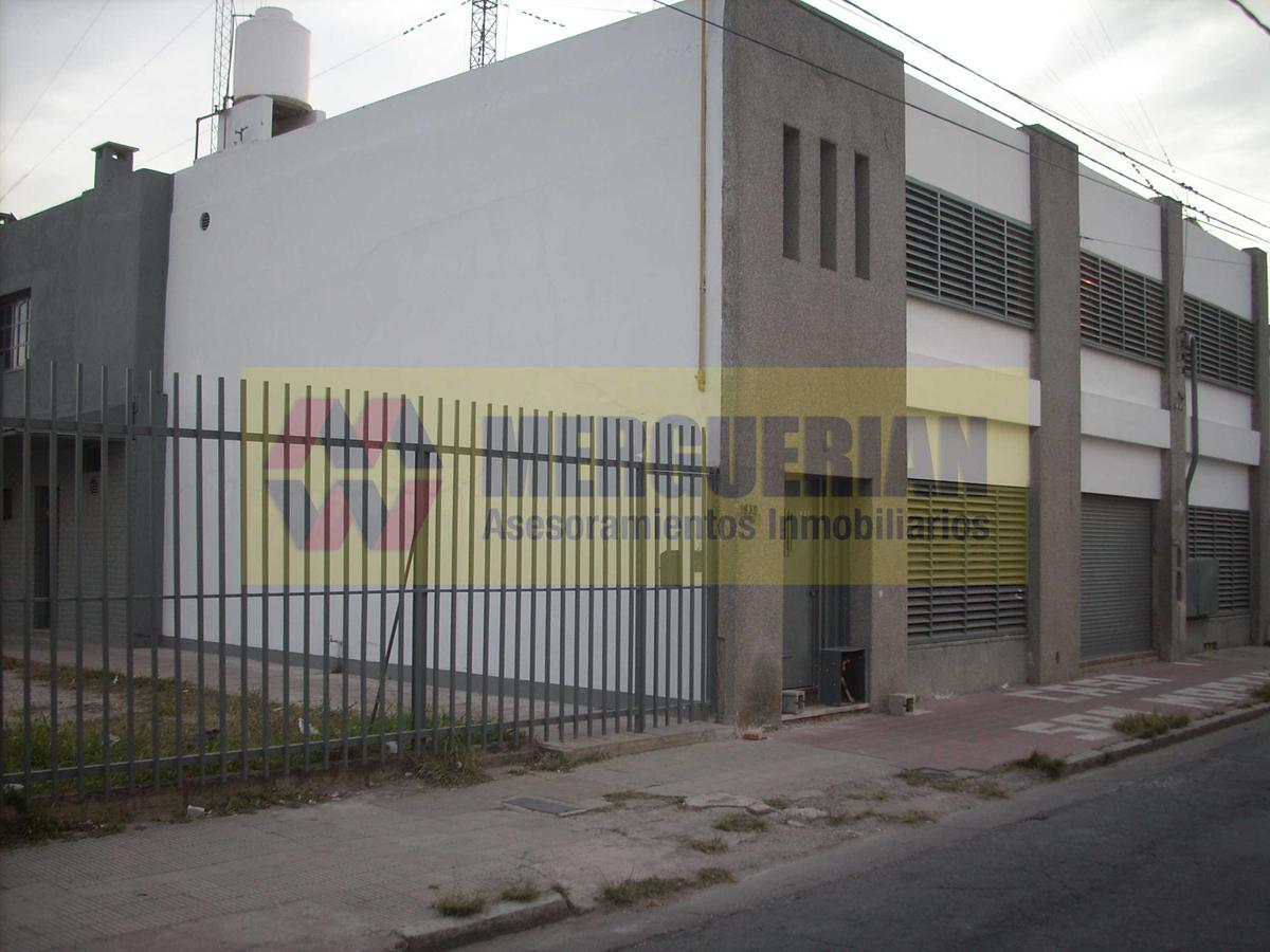 Foto Nave Industrial en Alquiler en  San Martin,  Cordoba  SOLDADO RUIZ 1900