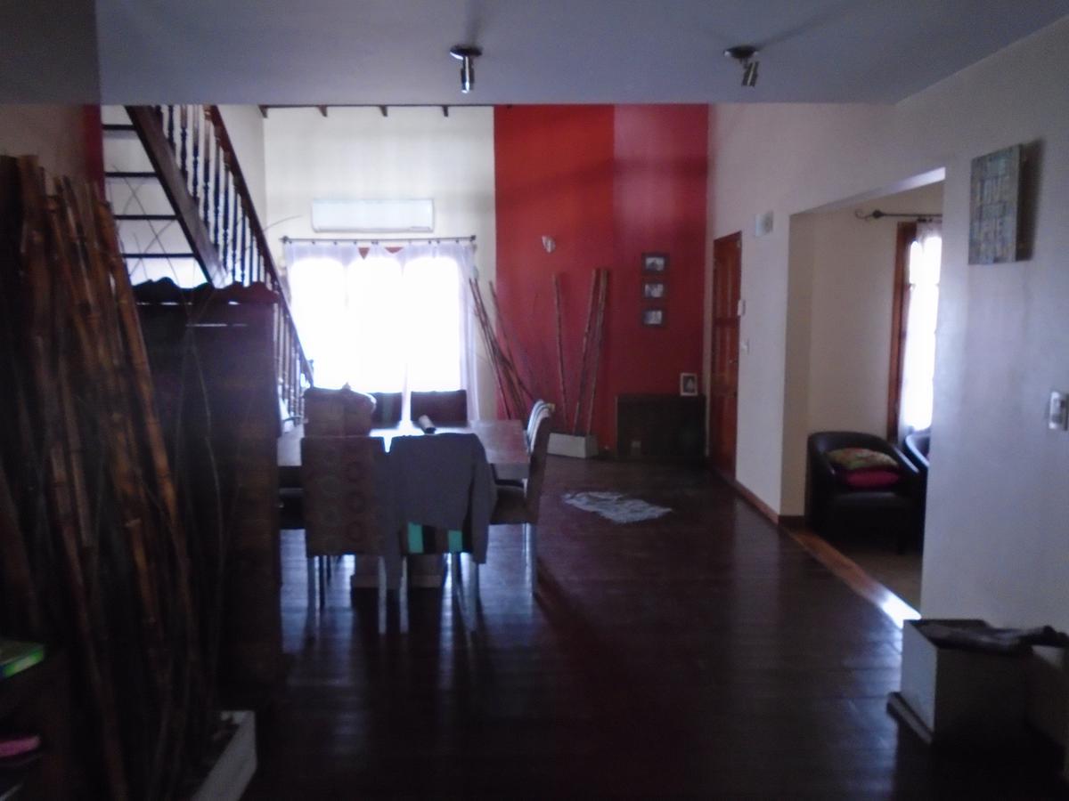 Foto Casa en Venta en  Castelar Norte,  Castelar  Eusebio Gimenez al 3300