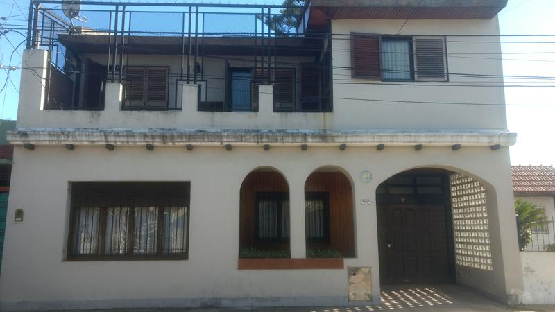 Foto Casa en Venta en  Castelar Sur,  Castelar  Argentina al 500