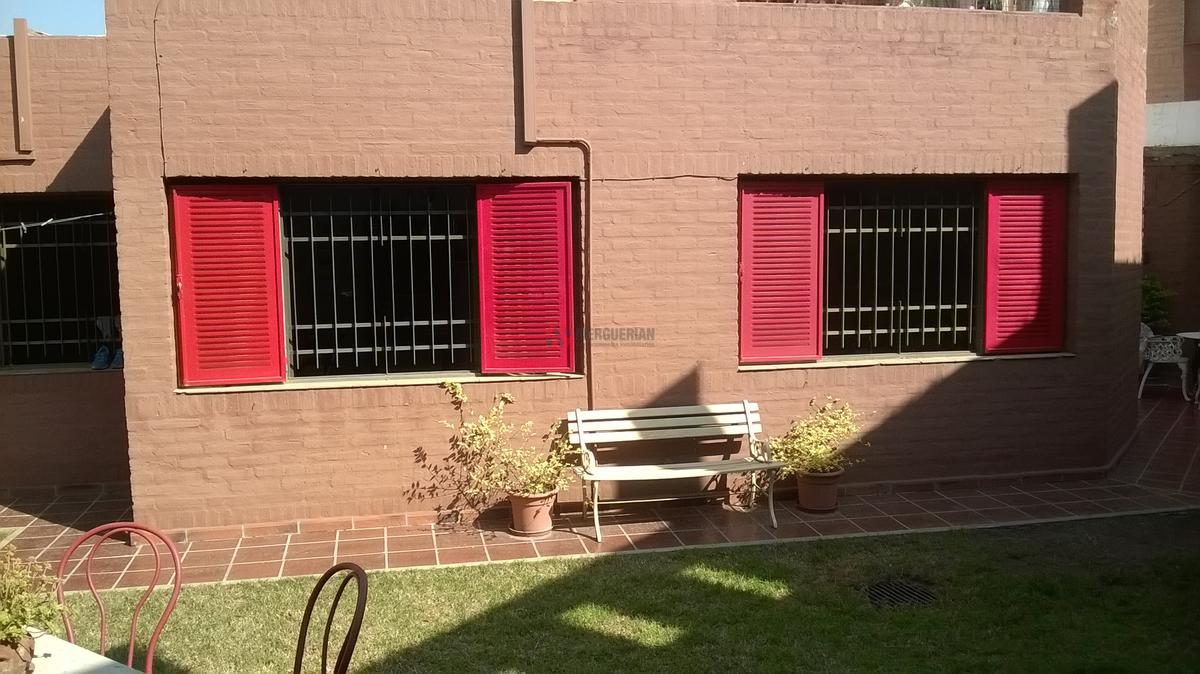 Foto Casa en Venta en  Pque.Chacabuco,  Cordoba  Patricias Argentinas al 2400