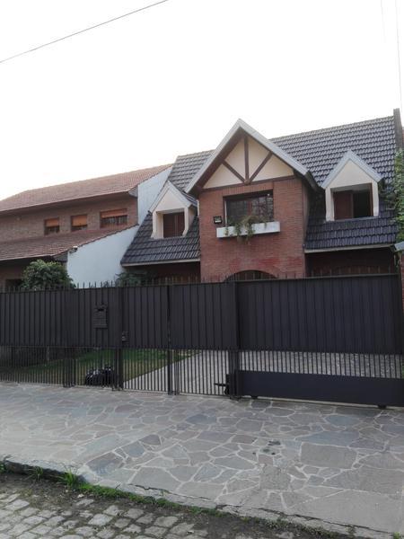 Foto Casa en Venta en  Temperley Oeste,  Temperley  Av. Fernandez 81