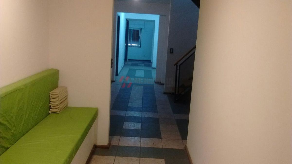 Foto Oficina en Alquiler en  Nueva Cordoba,  Capital  AV.POETA LUGONES 100