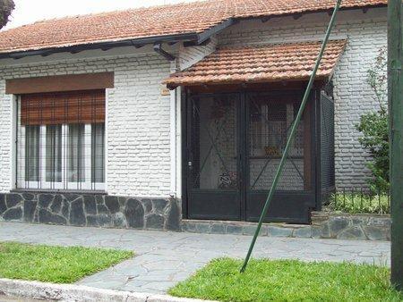 Foto Casa en Venta en  Temperley Este,  Temperley  RIVADAVIA 398, esq. Gallardo
