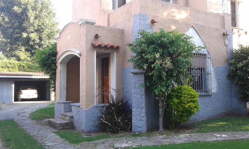 Foto Casa en Venta en  Ituzaingó,  Ituzaingó  Dunant al 700