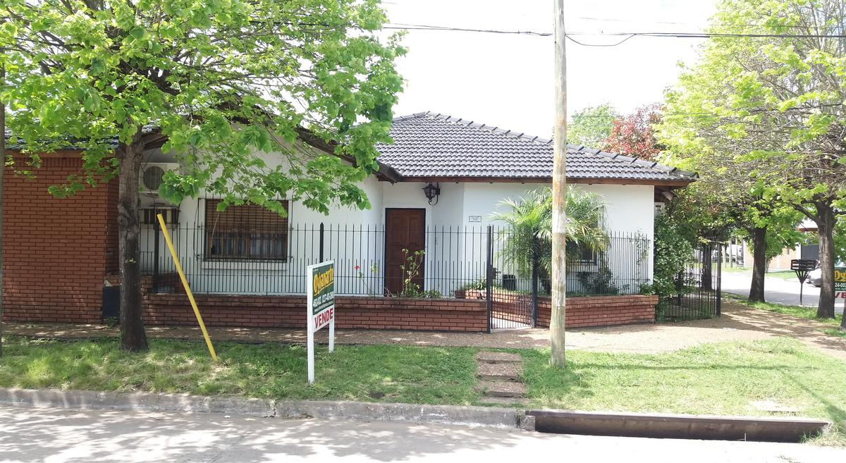 Foto Casa en Venta en  Ituzaingó ,  G.B.A. Zona Oeste  Malabia esq Oribe