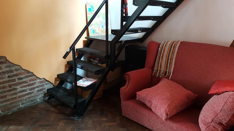 Foto Casa en Venta |  en  Lomas de Zamora Oeste,  Lomas De Zamora  SARMIENTO al 700