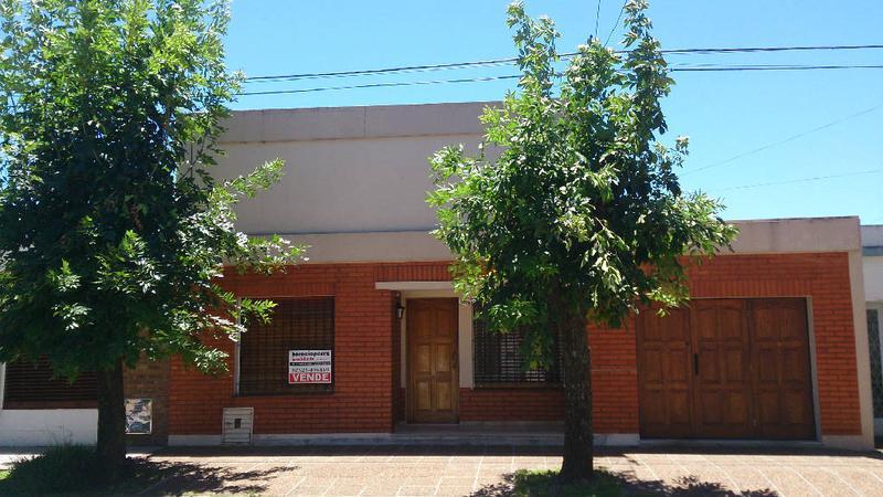 Foto Casa en Venta en  Lujan ,  G.B.A. Zona Oeste  25 de Mayo 1078 Lujan