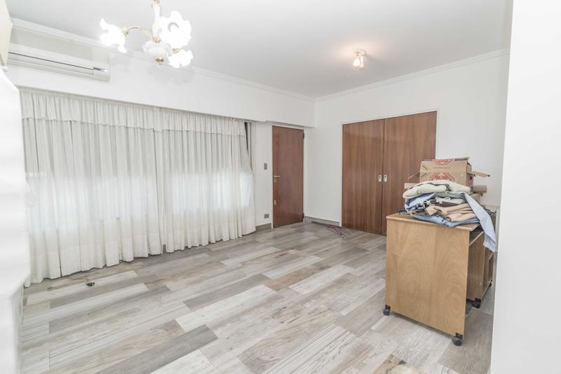 Foto Casa en Venta en  P.Avellaneda ,  Capital Federal  Monte al 4800