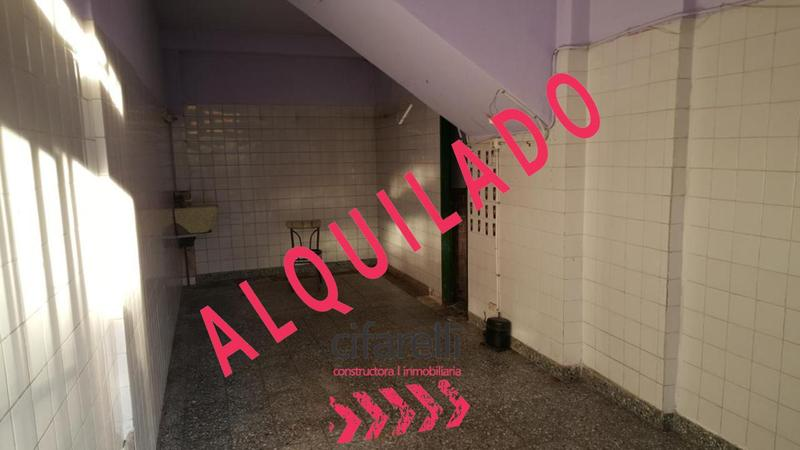 Foto Local en Alquiler en  Mataderos ,  Capital Federal  CASTRO, EMILIO, AVDA. al 5400