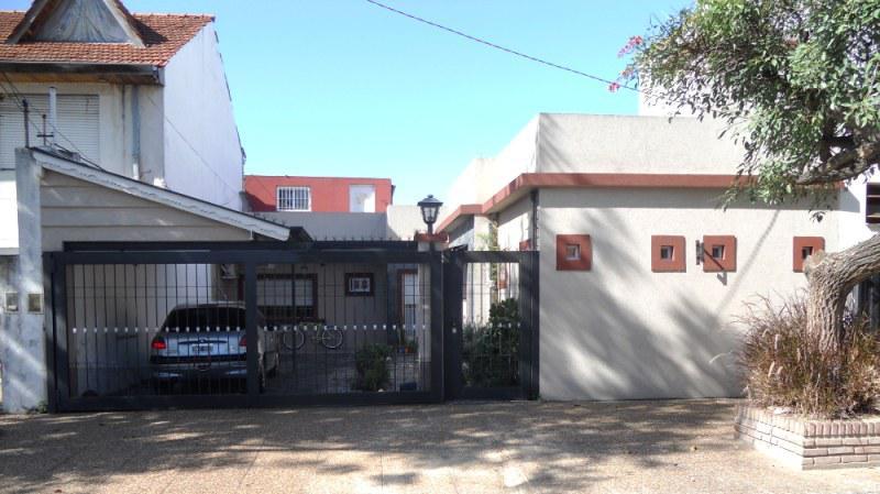 Foto Casa en Venta en  Carapachay,  Vicente Lopez  Viamonte al 5100