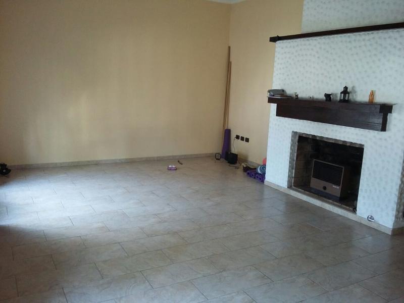 Foto Casa en Venta en  Lomas De Zamora ,  G.B.A. Zona Sur  PASO al 300