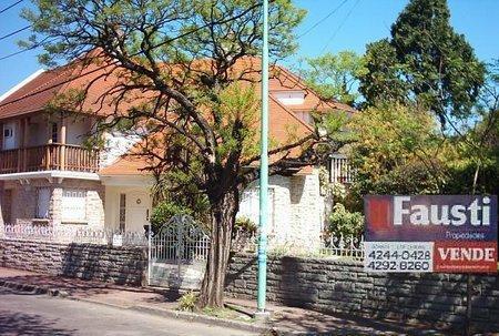 Foto Casa en Venta en  Temperley Oeste,  Temperley  BRANDSEN 300