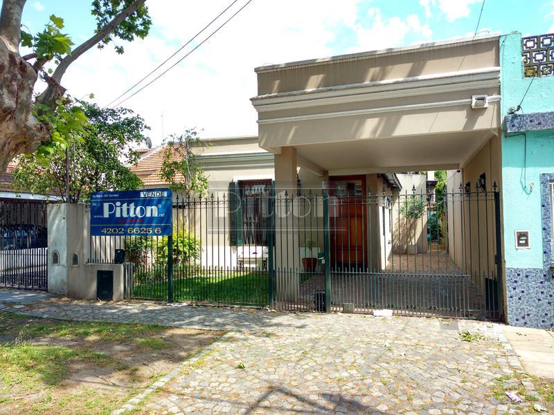 Foto Casa en Venta en  Lomas de Zamora Este,  Lomas De Zamora  Arenales 266