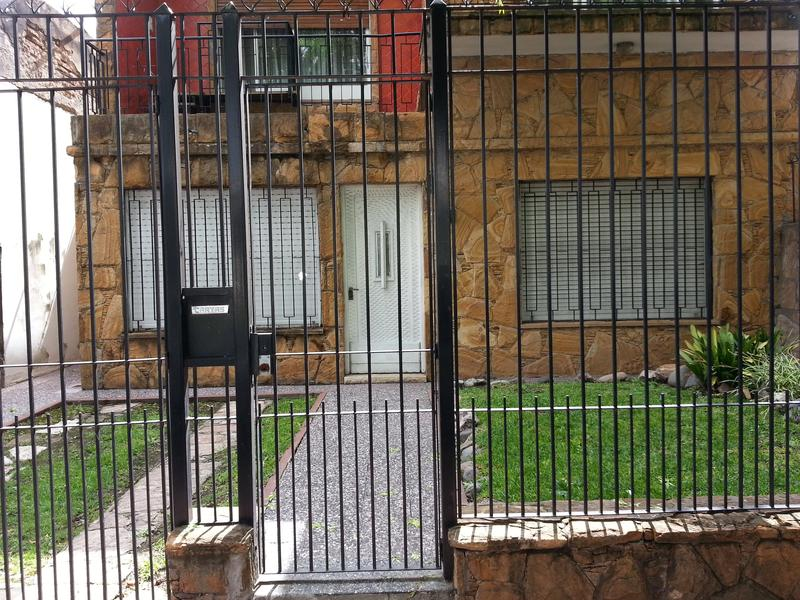 Foto PH en Venta en  V.Talleres,  Remedios De Escalada  AV ROSALES al 1100