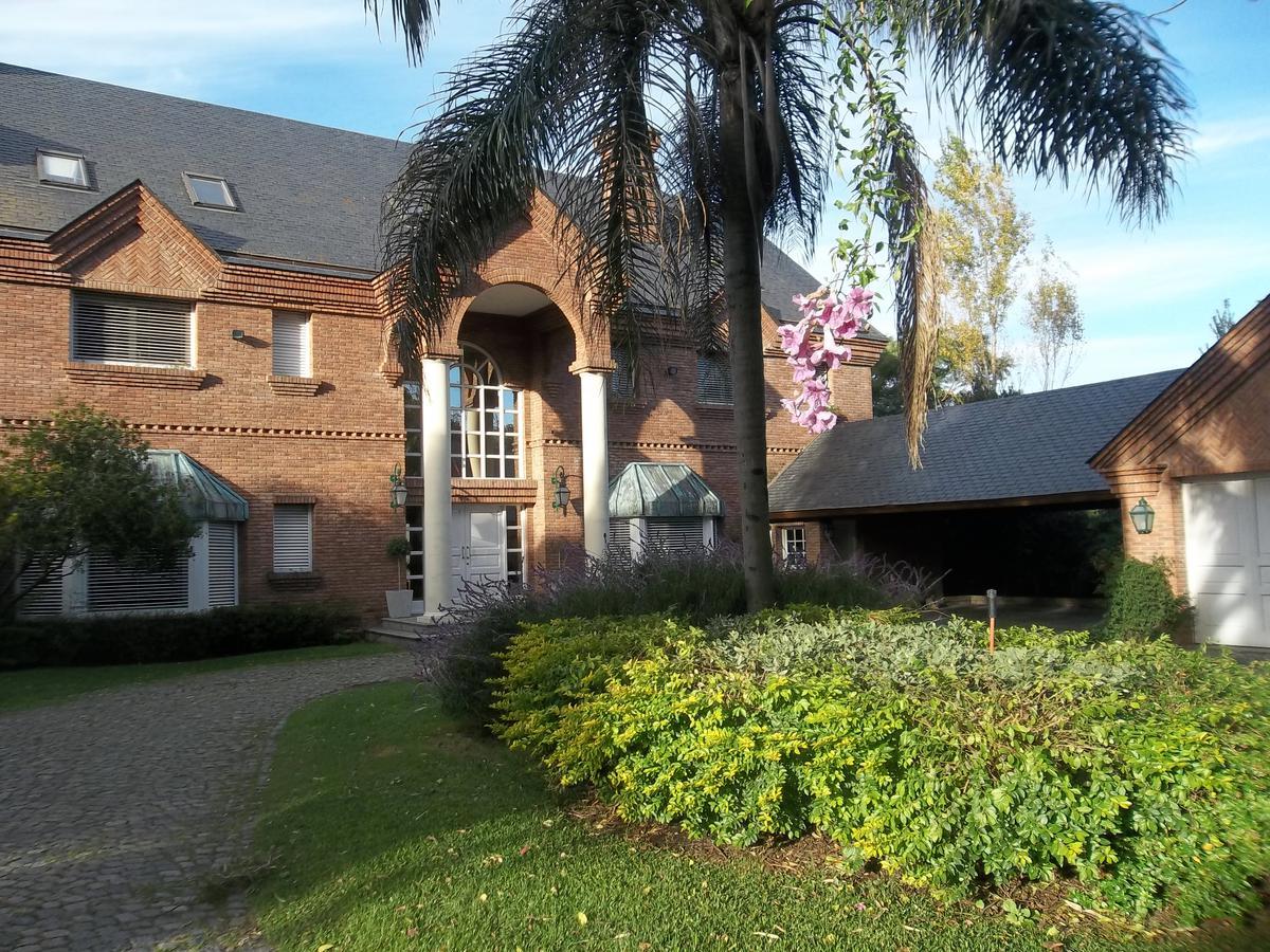 Foto Casa en Alquiler en  Mart.-Libert./Rio,  Martinez  Paso al 1500